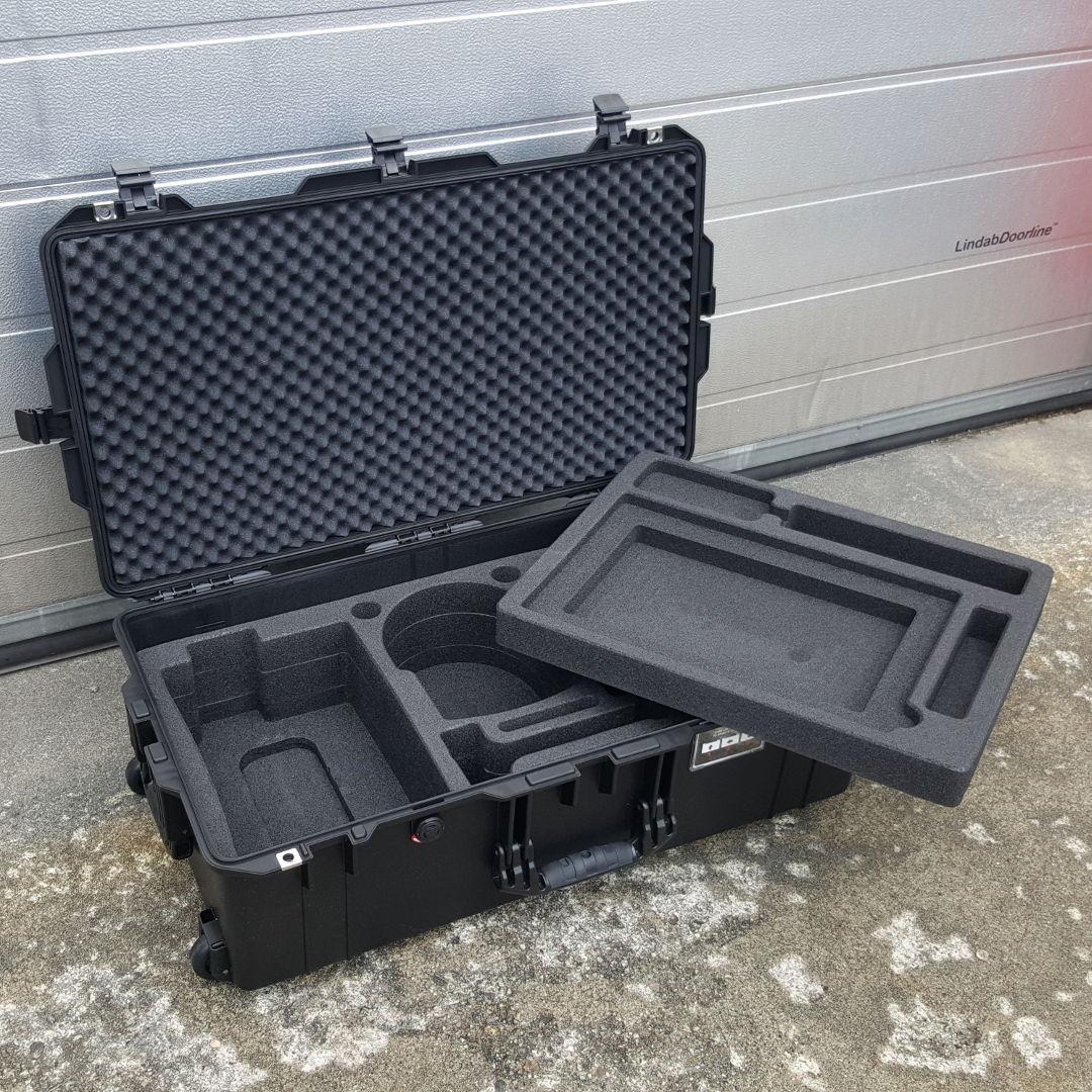 Utstyrskoffert Peli Air 1615 med CNC maskinert skuminnredning for VR utstyr